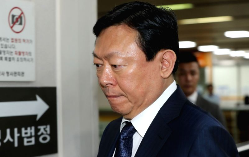 Lotte Group Chairman Shin Dong-bin appears at the Seoul Central District Court on May 17, 2017, to attend a trial on alleged embezzlement.