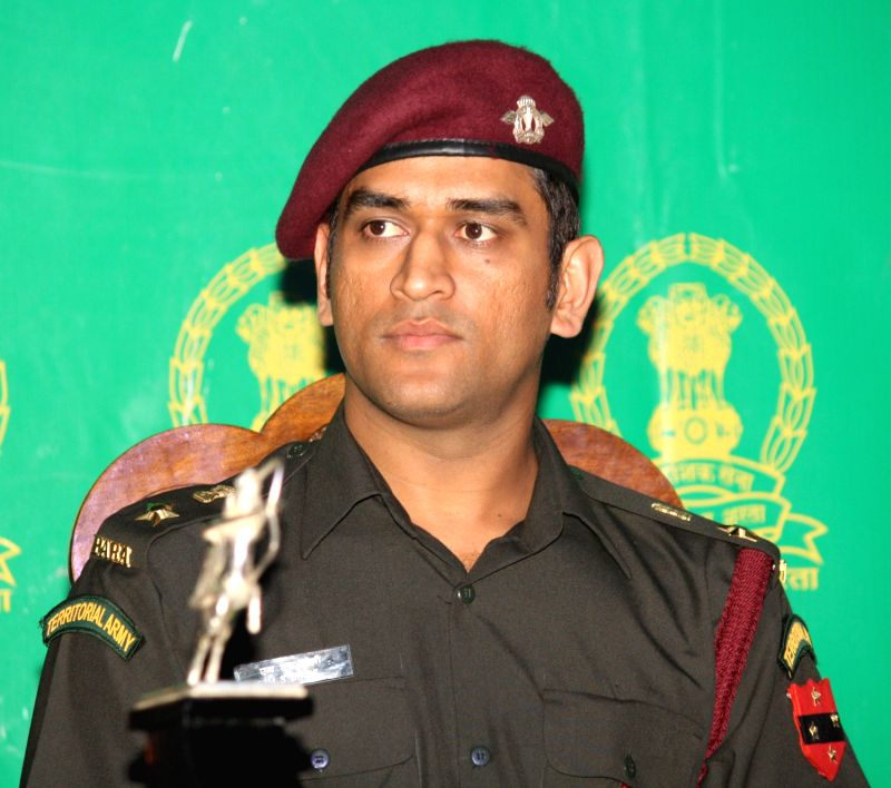 LT Col .(Hony) MS Dhoni at a felicitation function by Territorial Army in New Delhi on Tuesday 1 November 2011. - MS Dhoni