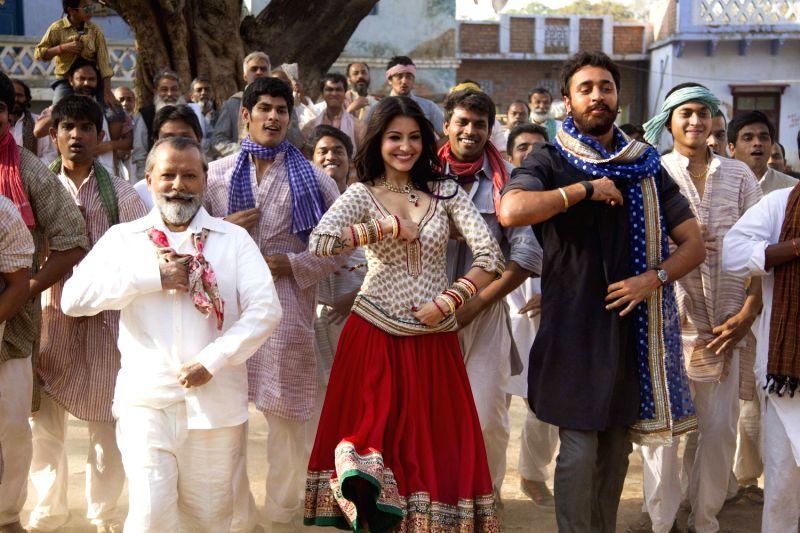 ltor pankaj kapur anushka sharma and imran khan 40544 - Imran and Anushka (Beautiful Jori ) In New Film 2013