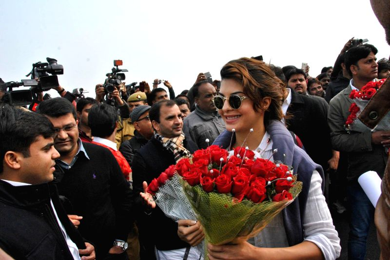 Actress Jacqueline Fernandez arrives to attend the closing ceremony of 'Saifai Mahotsav' in Lucknow on Jan 8, 2015. - Jacqueline Fernandez