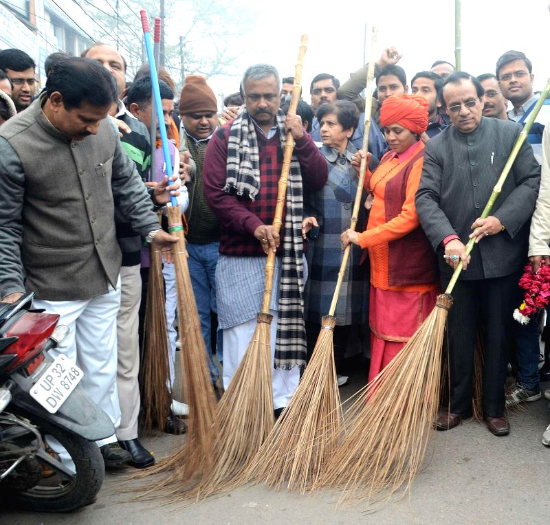 BJP general secretary Sanjay Joshi participates in Clean India Campaign in Lucknow, on Jan 14, 2015.
