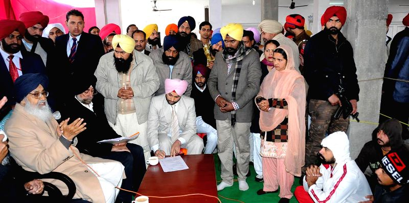 Punjab Chief Minister Parkash Singh Badal during a Sangat Darshan programme in Dhuri, Ludhiana on Jan 21, 2015. - Parkash Singh Badal