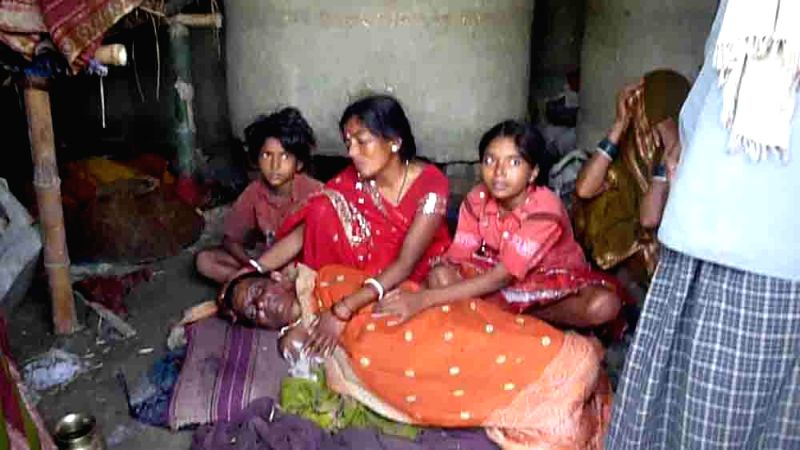 The relatives of lady killed in a storm that lashed Purnia, Madhepura and several other districts of Bihar late on Tuesday night (22nd April 2015) mourn his death on April 22, 2015. At ...