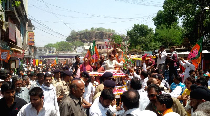 Madhya Pradesh Chief Minister and BJP leader Shivraj Singh Chouhan campaigns for BJP candidate for 2014 Lok Sabha Election from Vidisha Loka Sabha seat Sushma Swaraj in Vidisha on April 22, 2014.