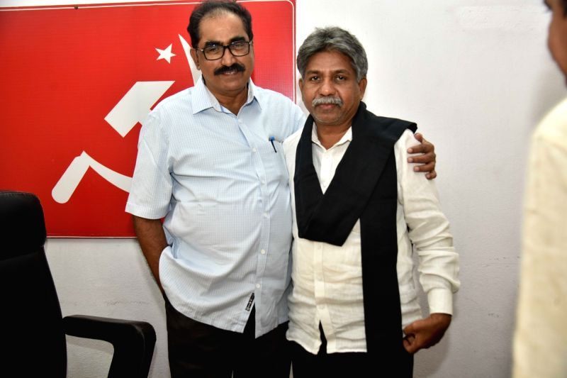 Madiga Reservation Porata Samithi (MRPS) founder Manda Krishna Madiga meets CPI(M) State Secretary Tammineni Veerabhadram in Hyderabad on Jan 28, 2018.