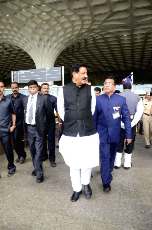 Maharashtra Chief Minister Prithviraj Chavan at Terminal 2 of the Mumbai international airport on Aug 15, 2014. - Prithviraj Chavan