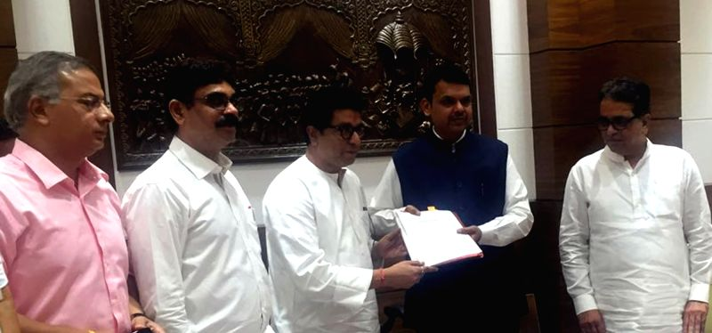 Maharashtra Navnirman Sena (MNS) chief ​​Raj Thackeray meets the Maharashtra Chief Minister Devendra ​​Fadnavis regarding​ impact of NEET on students in Mumbai, on May 16, 2016. - Devendra