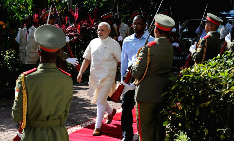 Prime Minister Narendra Modi inspects Guard of Honour at the Ceremonial Reception organised for him at State House, in Mahe, Seychelles on March 11, 2015. - Narendra Modi