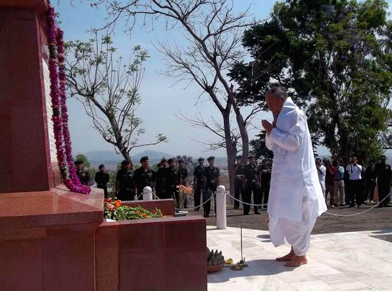 Manipur Chief Minister O. Ibobi Singh pay tribute to the martyrs killed in the last battle against British soldiers in the year 1891 on Khongjom Day at Kheba Ching in Thoubal district of Manipur on .. - O. Ibobi Singh
