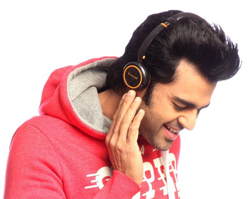 Manish Paul as Brand Ambassador of Lapcare