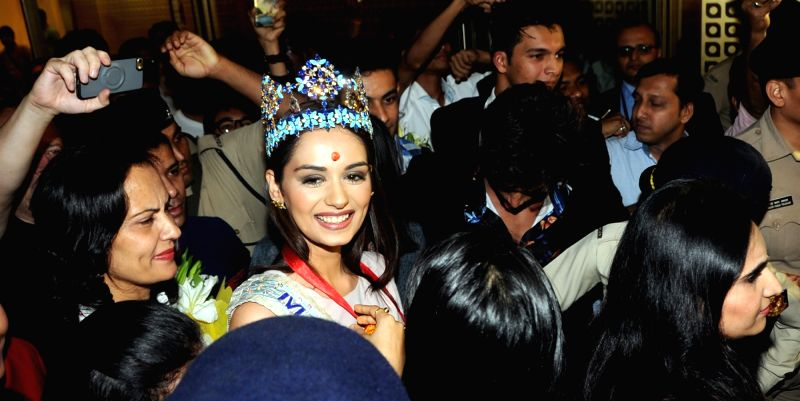 Manushi Chhillar, who broke the 16-year jinx for India at the Miss World pageant last week arrives in Mumbai on Nov 25, 2017.
