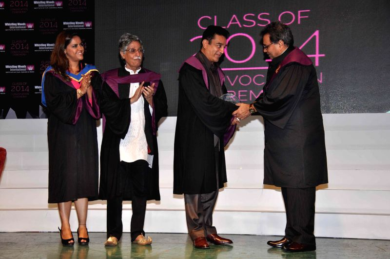 Meghna Ghai Puri, President, Whistling Woods International, Screenwriter Javed Siddiqui, Bollywood actor Kamal Hassan, filmmaker and founder Subash Ghai during Whistling Woods International's 7th ... - Kamal Hassan and Javed Siddiqui