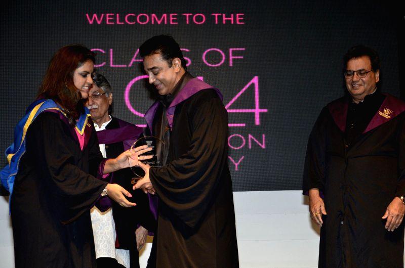 Meghna Ghai Puri, President, Whistling Woods International, Screenwriter Javed Siddiqui, actor Kamal Hassan, filmmaker and founder Subash Ghai during Whistling Woods International's 7th Annual ... - Kamal Hassan and Javed Siddiqui