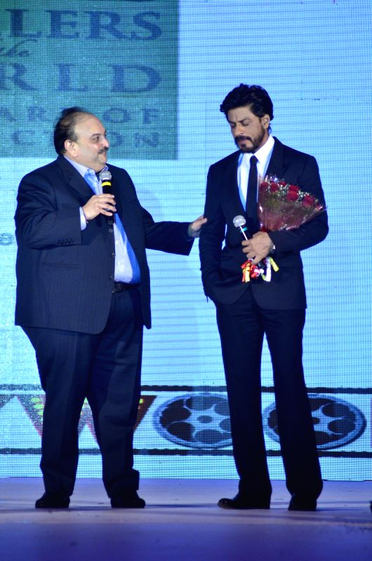 Mehul Choksi, CMD, Gitanjali Group and Bollywood actor Shahrukh Khan during the launch of Leading Jewellers of the world presents Ticket to Bollywood by Gitanjali Gems Pvt Ltd in Mumbai on July 19, .. - Shahrukh Khan