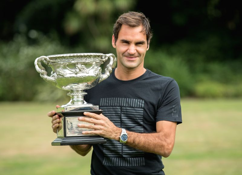 MELBOURNE, Jan. 29, 2018 - Roger Federer of Switzerland poses with his Australian Open trophy, the Norman Brookes Challenge Cup at the Government House in Melbourne, Australia, Jan. 29, 2018.
