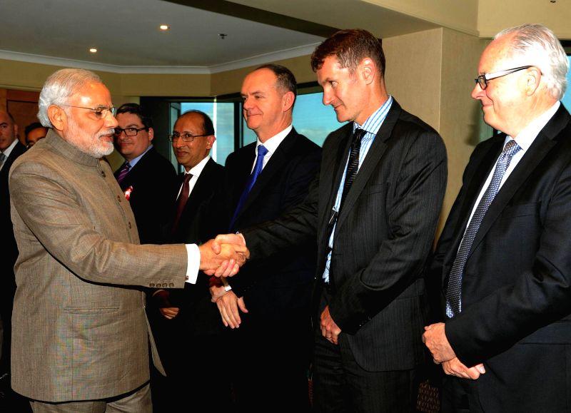 Prime Minister Narendra Modi meets the institutional investors, in Melbourne, Australia on Nov 18, 2014. - Narendra Modi