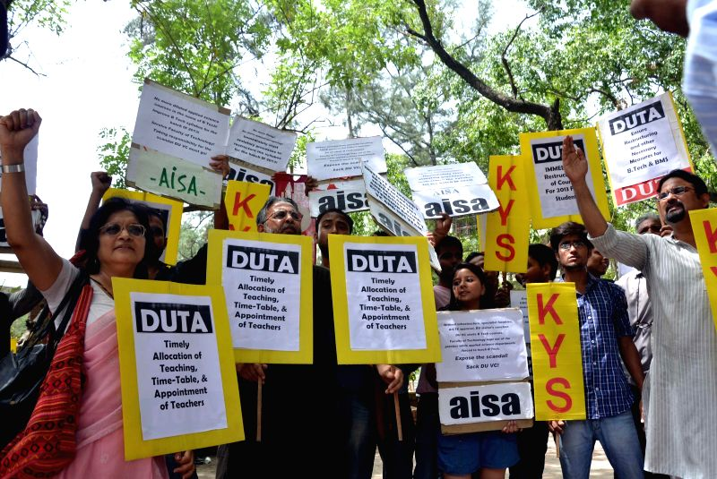 Members of  Delhi University Teacher's Association (DUTA), All India Students Association (AISA) and other organisations demonstrate against Delhi University Vice Chancellor at Art Faculty in North ..