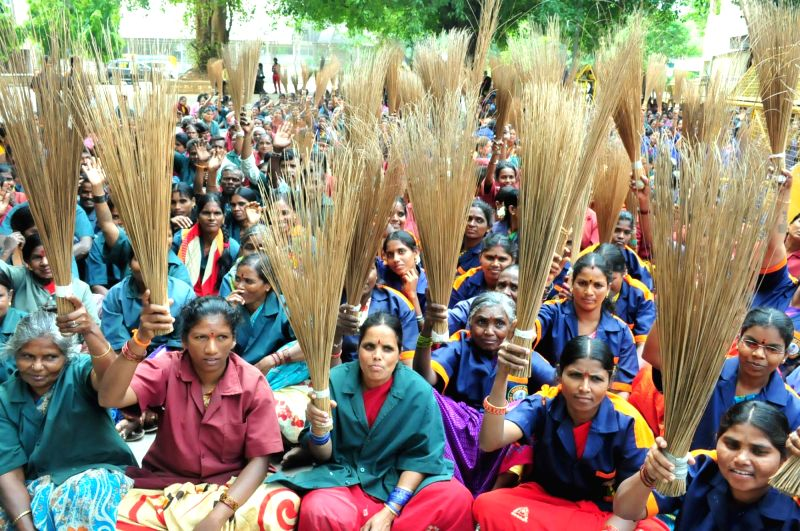 Members of Karnataka State Pourakarmikas Association stage a demonstration at Freedom Park to press for their demands in Bengaluru, on May 25, 2017.