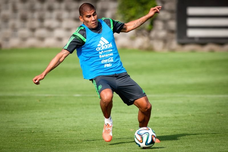 Carlos Salcido from Mexico's national soccer team takes part in a training session, in Mexico City, capital of Mexico, on May 14, 2014.