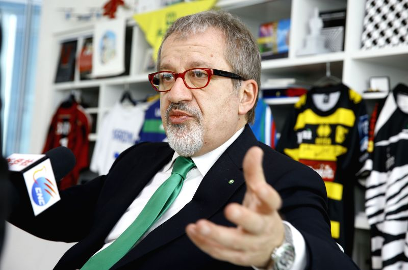 """Roberto Maroni, president of Lombardy Region of Italy, receives an exclusive interview with Xinhua in Milan, Italy, April 29, 2015. """"More Chinese investors ..."""
