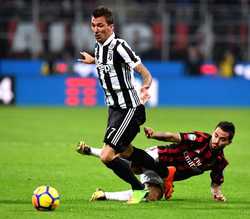 Italy milan soccer serie a ac milan juventus for Ac milan juventus