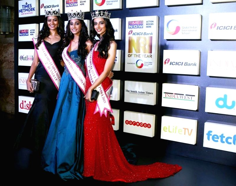 Miss India 2nd RunnerUp 2018 Shreya Rao Kamavarapu, Miss India World 2018 Anukreethy Vas and Miss India 1st RunnerUp 2018 Meenakshi Chaudhary at the NRI of the Year Awards 2018 in Mumbai on ... - Shreya Rao Kamavarapu and Meenakshi Chaudhary