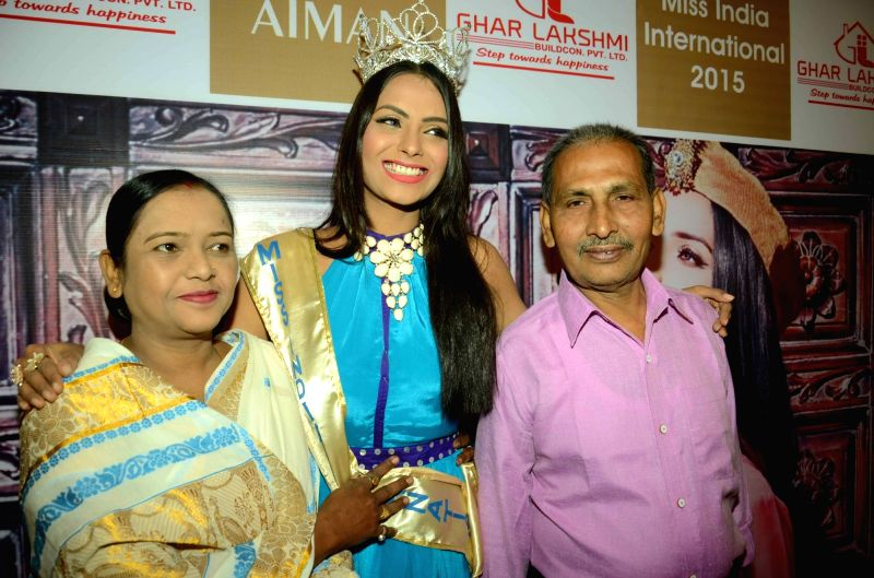 Miss India Supriya Aiman during a felicitation programme in Patna, on Nov 26, 2015.