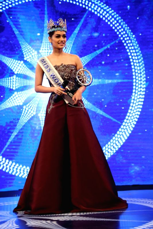 Miss World 2017 Manushi Chhillar during Indian of the Year 2017 award ceremony hosted by CNN News 18 in New Delhi, on Nov 30, 2017. Special Achievement award goes to Manushi Chhillar.