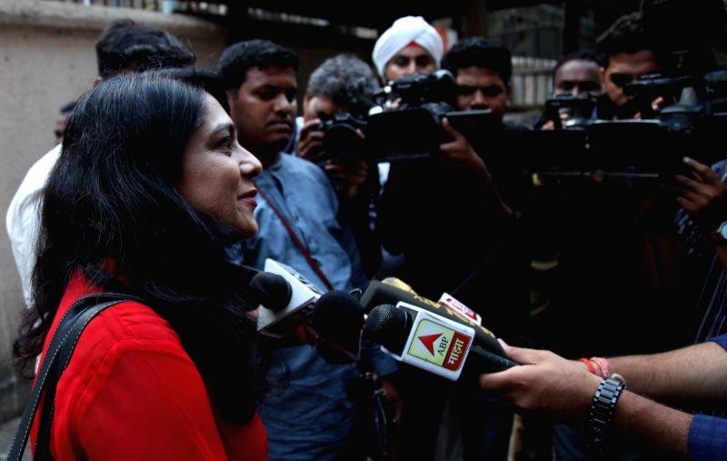 Model-cum-wannabe actress Preeti Jain talks to press after a  Mumbai court sentenced to three years in jail for plotting the murder of award winning Bollywood director Madhur Bhandarkar 12 ... - Preeti Jain