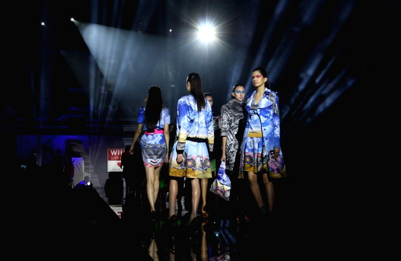 Manish Arora 39 S Show At Wills Lifestyle India Fashion Week 2013