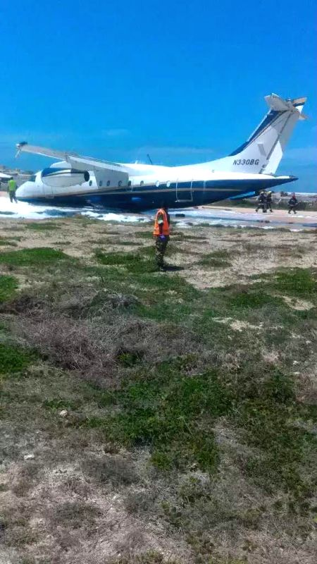 MOGADISHU, May 30, 2017 - Photo taken on May 30, 2017 shows a light aircraft landed at Mogadishu airport in Somalia. A light aircraft crash landed at Mogadishu airport in Somalia on Tuesday morning, ...