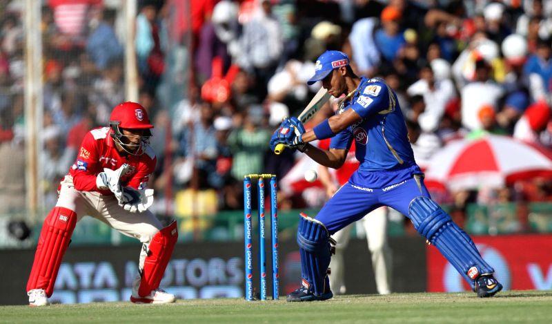 Mumbai Indians batsman Lendl Simmons in action during an IPL-2015 match between Mumbai Indians and Kings XI Punjab at the Punjab Cricket Association Stadium, in Mohali on May 3, 2015. - Lendl Simmons