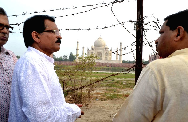 MoS Culture (Independent Charge) and Tourism (Independent Charge) Shripad Yesso Naik inspects excavation work at Mahtab Bagh in Agra on July 14, 2014.