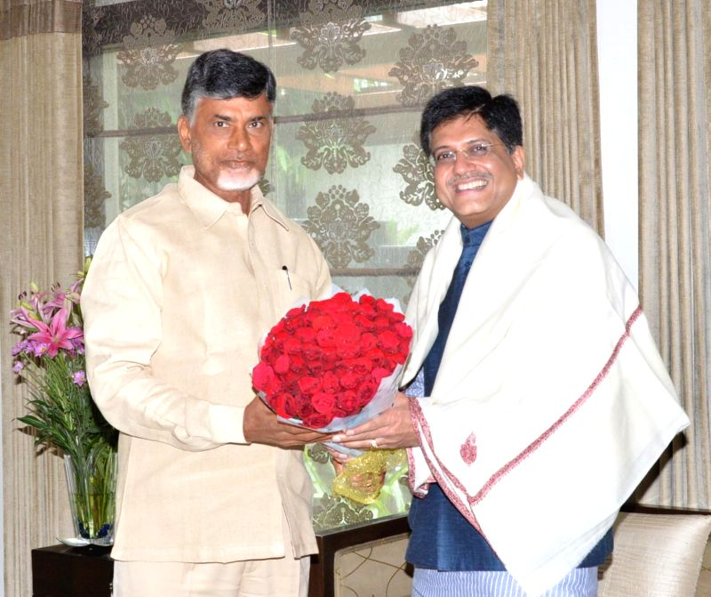 MoS Independent Charge) for Power, Coal and New and Renewable Energy Piyush Goyal with Andhra Pradesh Chief Minister N. Chandrababu Naidu during a meeting in Hyderabad on July 27, 2014. - N. Chandrababu Naidu