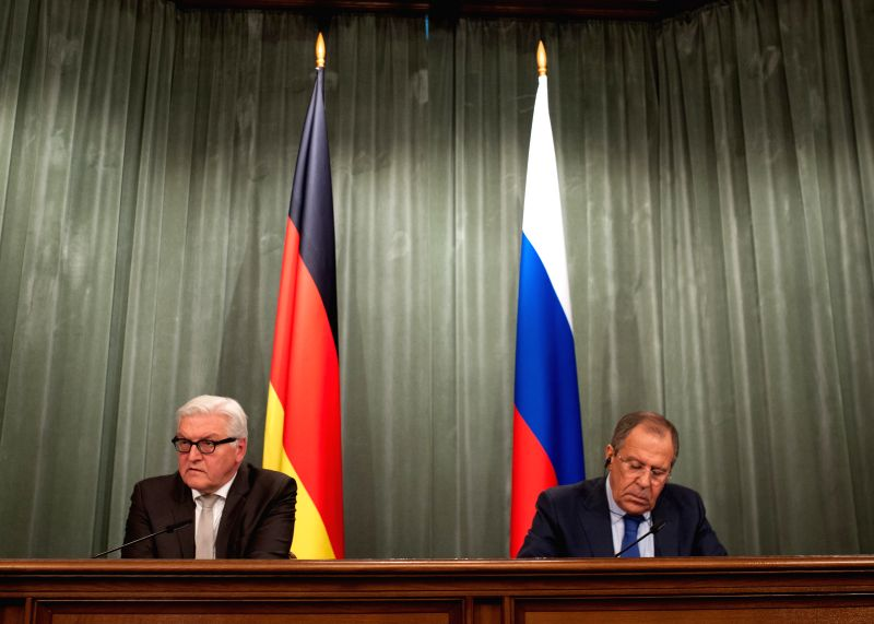 Moscow (Russia): Russian Foreign Minister Sergei Lavrov (R) and his German counterpart Frank-Walter Steinmeier attend a joint press conference after their meeting in Moscow, Russia, Nov. 18, 2014. ... - Sergei Lavrov
