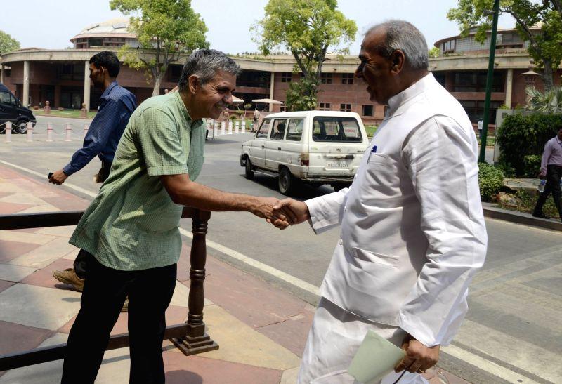 MPs Jagdambika Pal and  Sandeep Dikshit at Parliament in New Delhi on May 9, 2016. - Sandeep Dikshit