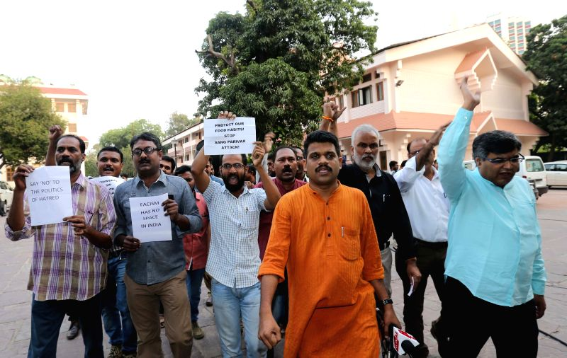 MPs of Leftist parties demonstration against police raid on Kerala House in New Delhi, on Oct 27, 2015.