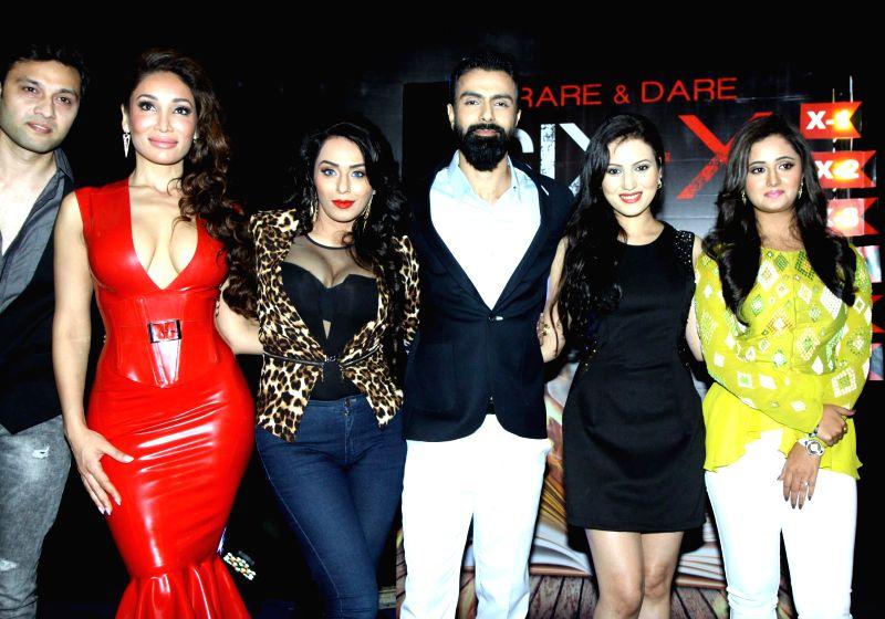 Zaid Hameed, Sofia Hayat, Andria D`souza, Anusmriti, Ashmit Patel and Rashmi Desai during the Mahurat of film Six X in Mumbai, on March, 01, 2015. - Ashmit Patel and Rashmi Desai