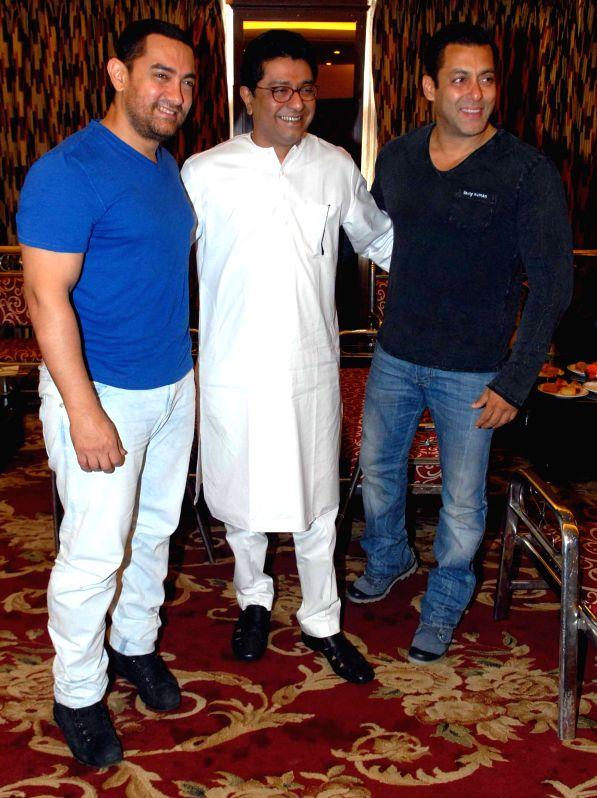 Actor Aamir Khan, Maharashtra Navnirman Sena chief Raj Thackeray and actor Salman Khan during the meeting on controversial development plan (DP) for the Mumbai city by Maharashtra Navnirman ... - Aamir Khan and Salman Khan