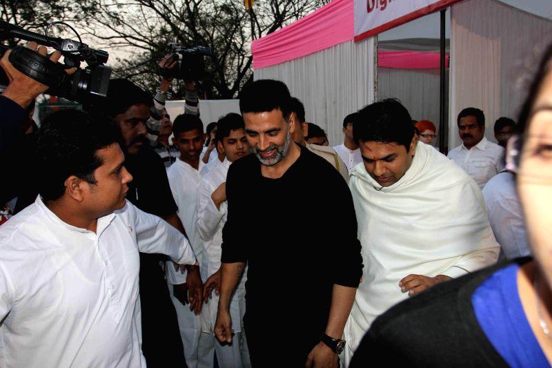 Actor Akshay Kumar during the Bramhakumari Sakhi Minithon 2015 in Mumbai on Sunday February 1 - Akshay Kumar