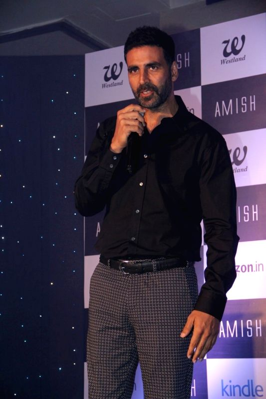 Actor Akshay Kumar during the unveiling of author Amish Tripathi's forthcoming book cover 'Scion of Ikshkavu' in Mumbai, on March 27, 2015 - Akshay Kumar