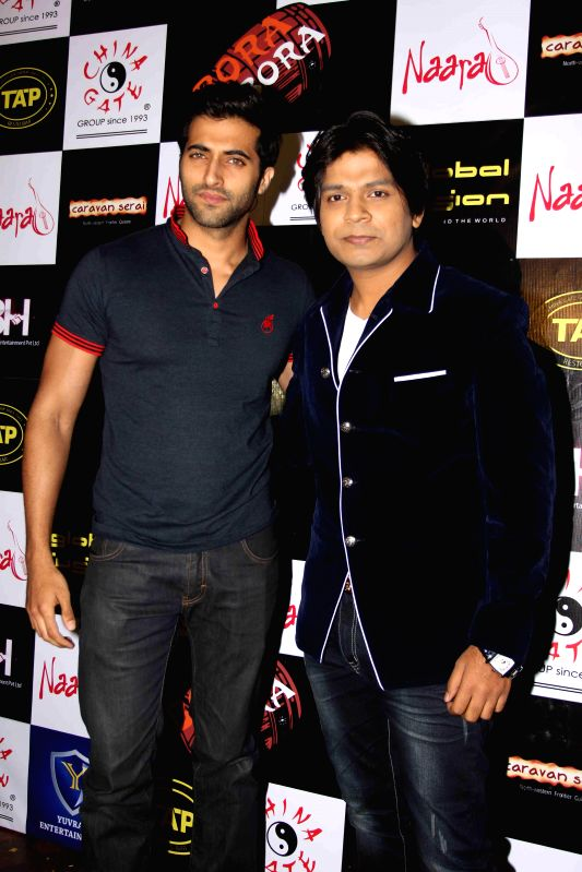 Actor Akshay Oberoi and singer Ankit Tiwary during the birthday party in Mumbai on March 5, 2015. - Akshay Oberoi
