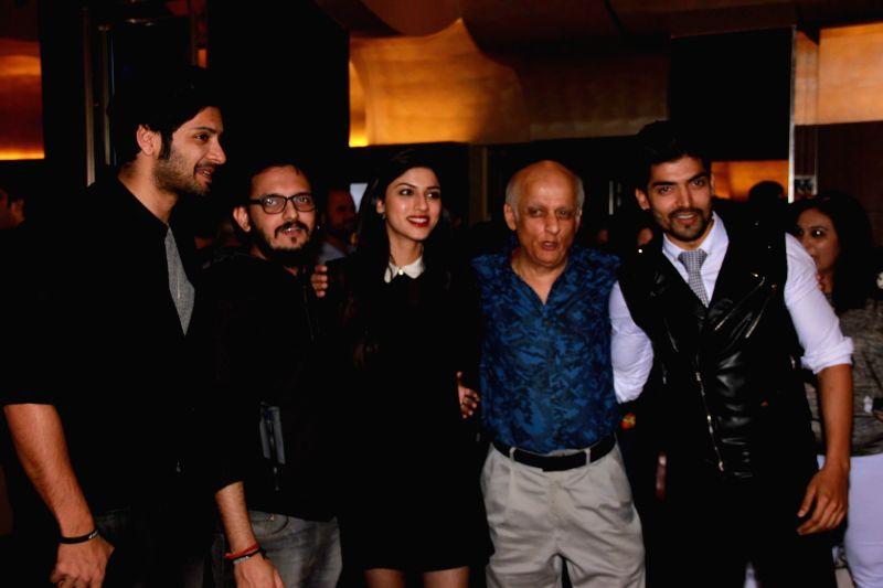 Actor Ali Fazal, filmmaker Vishesh Bhatt, actor Sapna Pabbi, filmmaker Mukesh Bhatt and actor Gurmeet Choudhary during screening of the film Khamoshiyan in Mumbai on January 29, 2015. - Ali Fazal and Gurmeet Choudhary