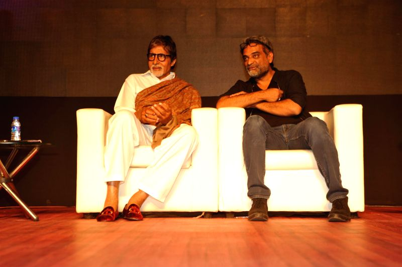 Actor Amitabh Bachchan and filmmaker R Balki during Rotary Club of Bombay`s WOW District Conference 2015 (DISCON) in Mumbai on  Feb 01, 2015. - Amitabh Bachchan