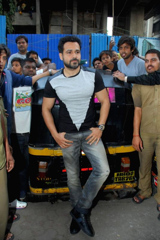 Actor Emraan Hashmi during the promotes of film Ungli on Mumbai streets with auto rickshaw drivers, on Nov 21, 2014.