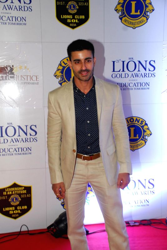 Actor Gautam Rode during the Lions Gold Awards 2015 in Mumbai on Jan 6, 2015. - Gautam Rode
