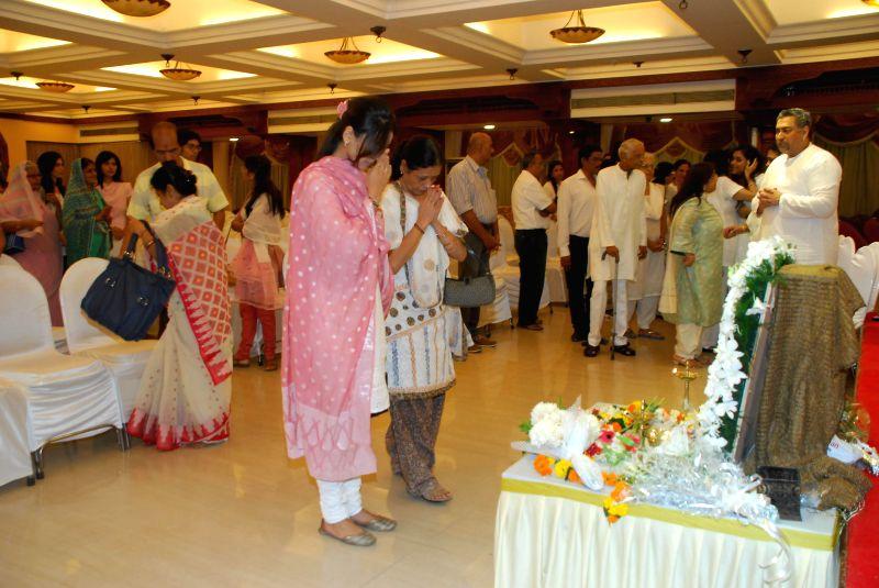 Actor Hrishitaa Bhatt during the condolence meeting organised in the memory of late Eminent Kathak Dancer Sitara Devi in Mumbai, on December 4, 2014. - Hrishitaa Bhatt