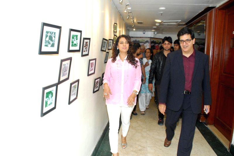Actor Juhi Chawla at the launch of Puja Miri Yajnik's book `The Curse of The Winwoods` in Mumbai, on Jan 5, 2015. - Juhi Chawla