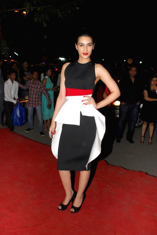 Actor Kriti Sanon during opening of Vikram Phadnis fashion store Krasaa in Mumbai on Sunday, Dec. 7, 2014. - Kriti Sanon
