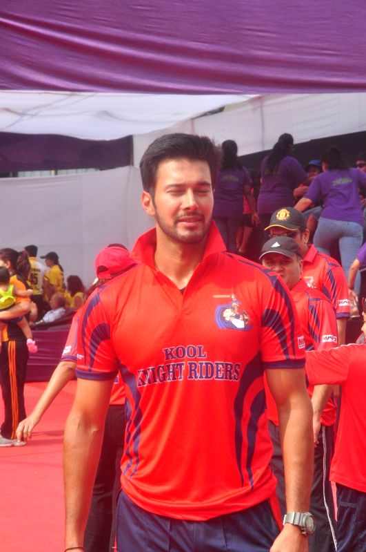 Actor Rajneesh Duggal during the JPPL cricket league organized by Fatima Agarkar in Mumbai, on December 13, 2014. - Rajneesh Duggal